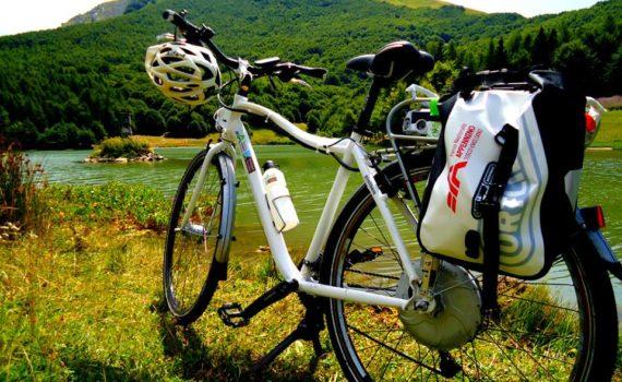 e-bike tour parco nazionale appennino tosco emiliano lagastrello comano